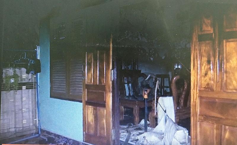 Thảm án ở Cam Ranh: Đâm 2 mẹ con rồi tự đốt nhà?