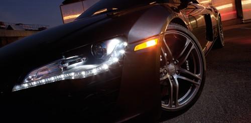 Tài xế ôtô không bật đèn vào buổi tối bị phạt 800.000 đồng