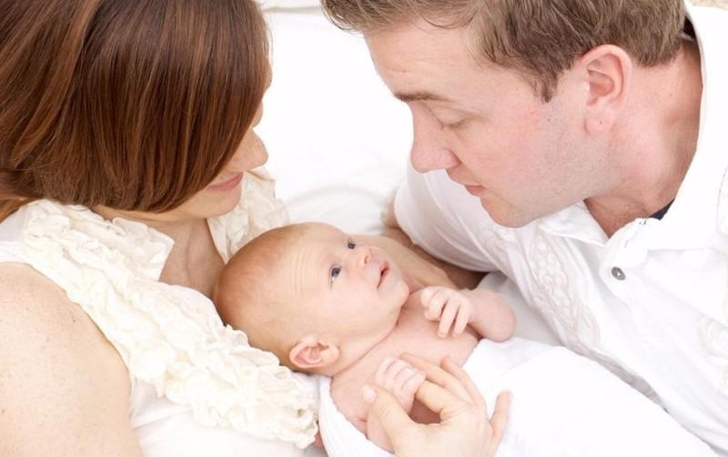 Đòi bệnh viện bồi thường bao nhiêu mới đủ khi nuôi nhầm con suốt 5 năm?