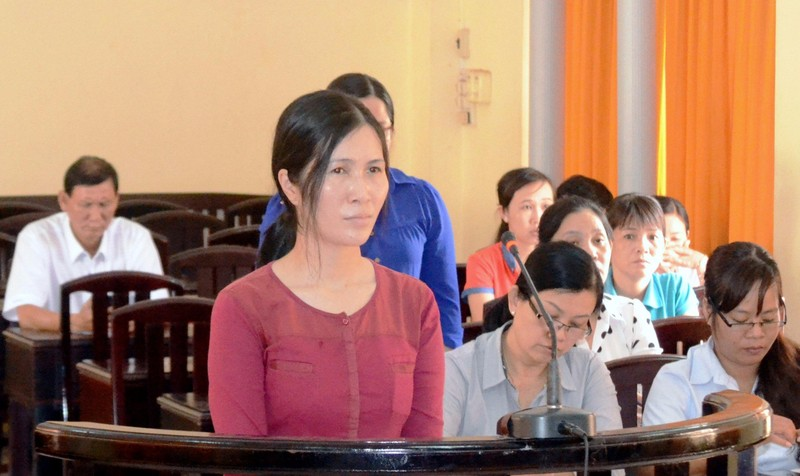 Nguyên Phó Chánh văn phòng Sở Nội vụ tỉnh Kiên Giang phạm Tội tham ô tài sản lĩnh 4 năm tù.