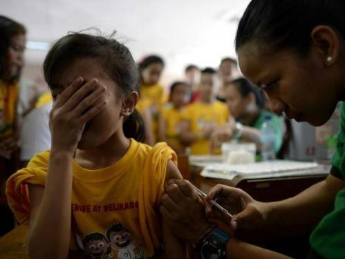 hon-700000-tre-em-philippines-bi-tiem-vacxin-nguy-hiem
