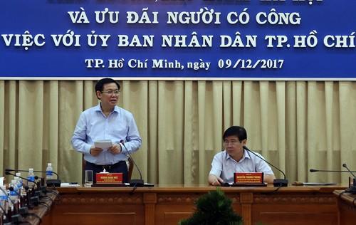Phó Thủ tướng Vương Đình Huệ phát biểu tại cuộc làm việc. Ảnh: VGP/Thành Chung