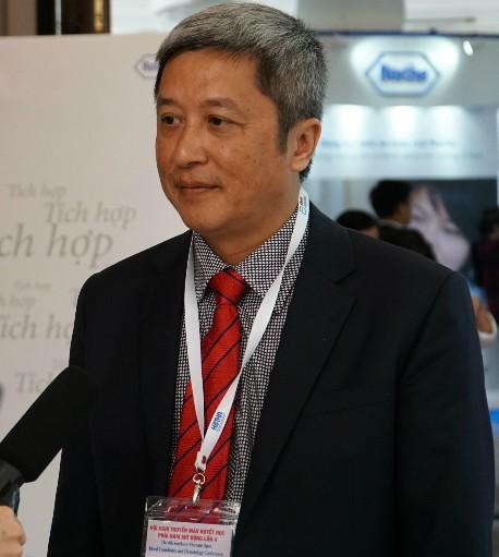 Bác sĩ Nguyễn Trường Sơn - Giám đốc Bệnh viện Chợ Rẫy chia sẻ về kỹ thuật sàng lọc máu.