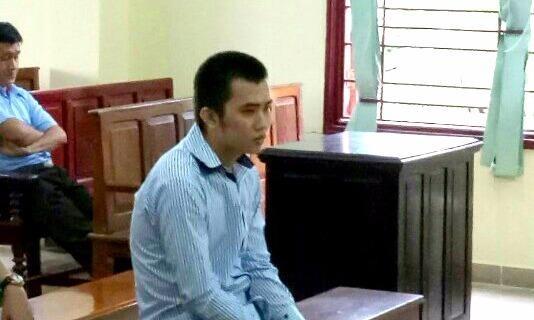Y án  9 năm tù cho kẻ định giở trò với bé gái