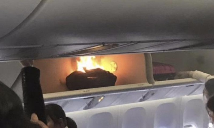Cabin máy bay phát hỏa vì nổ sạc pin dự phòng