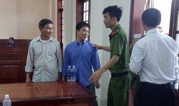 Hoãn lần 2 phiên tòa xét xử vụ sập cầu Ghềnh