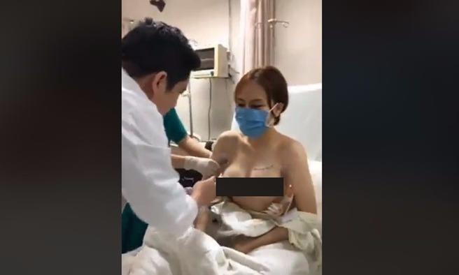 'Livestream' hình ảnh khám ngực bệnh nhân, bác sỹ có phạm luật?