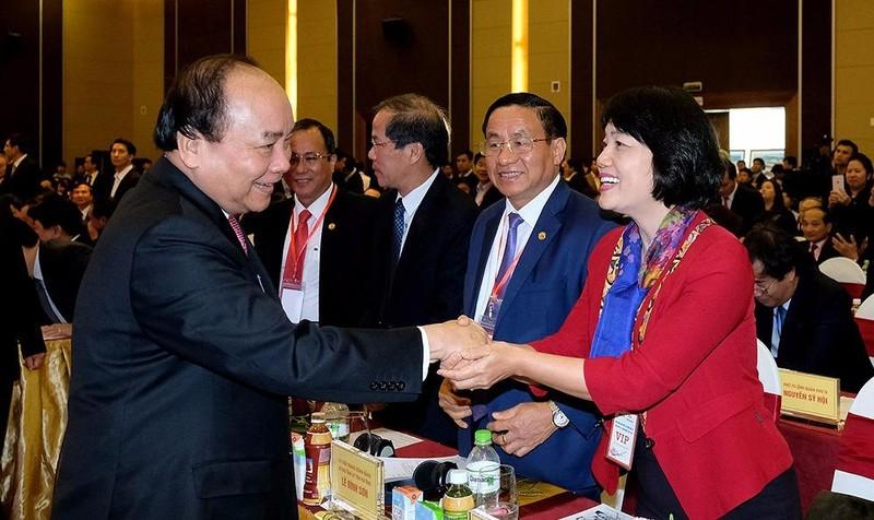 Thủ tướng Chính phủ Nguyễn Xuân Phúc dự và chỉ đạo hội nghị.