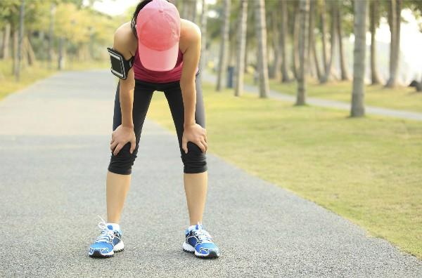 Từ tuổi 40 trở đi, người lớn có thể tự nhiên mất đến 8% khối cơ mỗi thập kỷ. Ảnh: exercise.