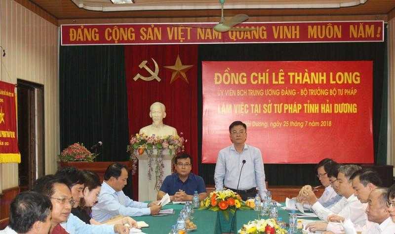 Bộ trưởng Lê Thành Long và Đoàn công tác làm việc với Sở Tư pháp tỉnh Hải Dương.