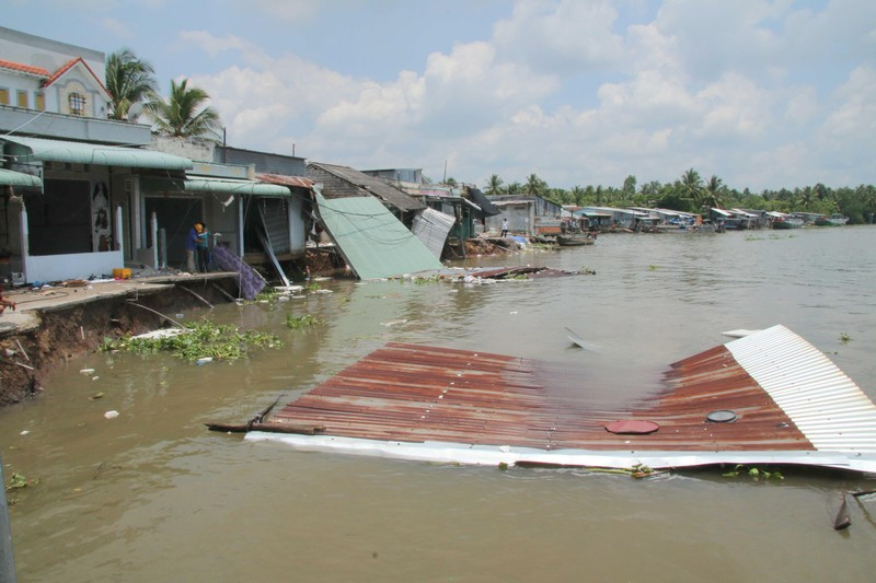Thiên tai ở Đồng bằng sông Cửu Long gây thiệt hại hơn 900 tỷ đồng.