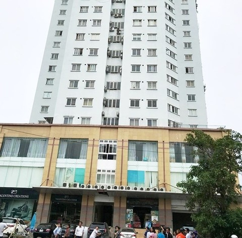 Rơi từ tầng 10 tòa nhà, người phụ nữ tử vong tại chỗ