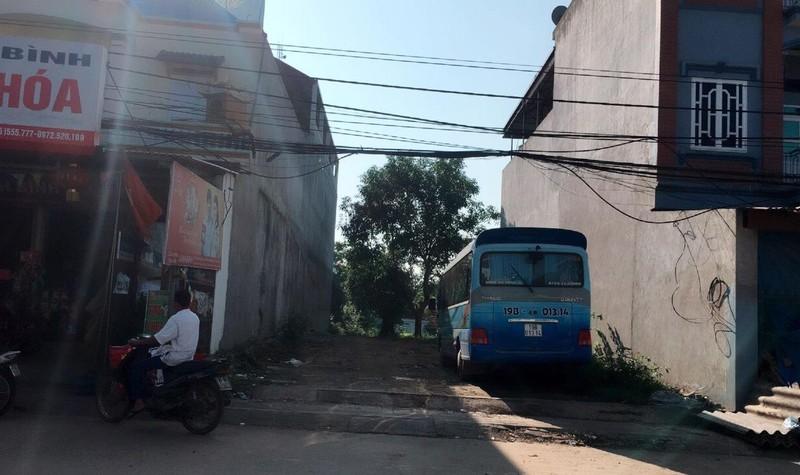 Khu đất của vợ chồng bà Hằng bị cưỡng chế theo bản án trái luật của TAND huyện Thanh Sơn.