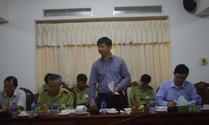 Ông Trương Quang Hoài Nam, Trưởng Ban Chỉ đạo 389 TP Cần Thơ phải kiểm soát buôn lậu, hàng hóa kém chất lượng trước dịp Tết.