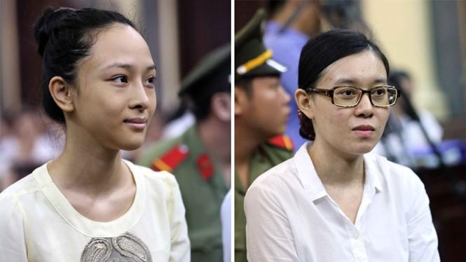 Phương Nga (trái) và Thùy Dung tại phiên xử sơ thẩm hồi tháng 6.2017 /// Ảnh: Đào Ngọc Thạch