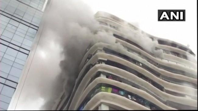 Đám cháy tòa chung cư  ở thành phố Mumbai của Ấn Độ.