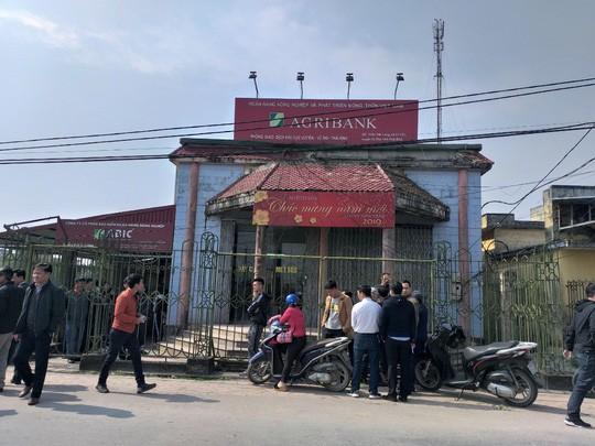 Mang hung khí vào Chi nhánh Ngân hàng Agribank tại Thái Bình cướp tiền - Ảnh 2.