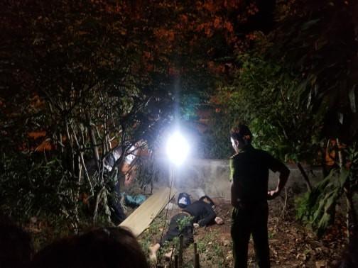 Xe máy nát vụn, thi thể thanh niên bay qua hàng rào cao 2m - Ảnh 1.
