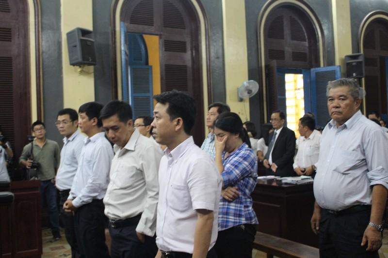 Các bị cáo tại phiên tòa phúc thẩm lần 1 hồi tháng 10/2017