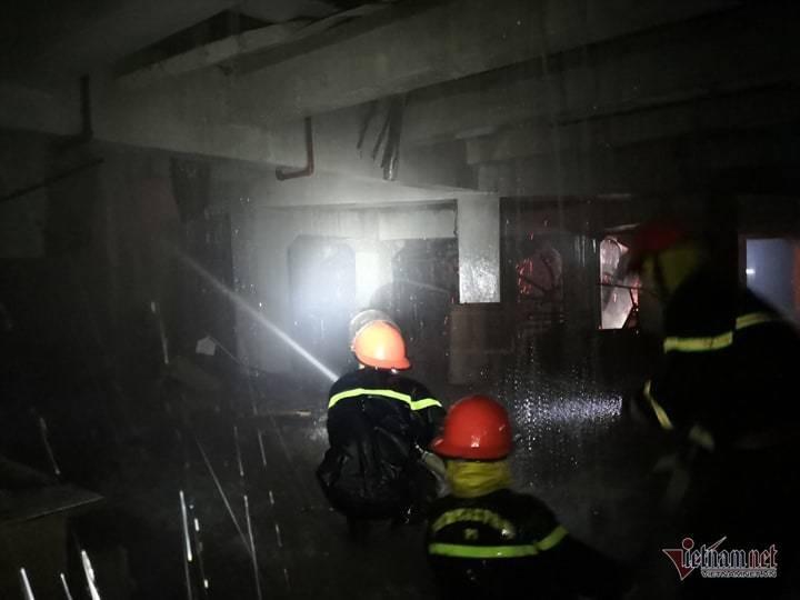 Cháy hội trường Cung văn hóa hữu nghị Việt Xô, sập mái vòm sân khấu chính