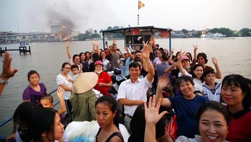 Người Hải Phòng lưu luyến khi bến phà Bính dừng hoạt động