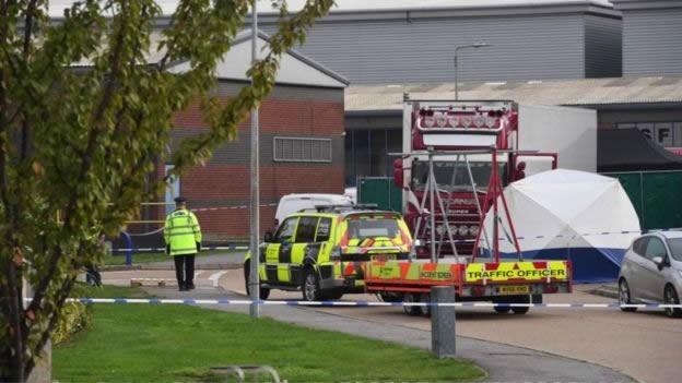 Chấn động nước Anh: 39 thi thể được phát hiện trong xe container