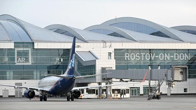 Máy bay hạ cánh khẩn cấp ở sân bay TP Rostov-on-Don (Nga). Ảnh: RIA NOVOSTI