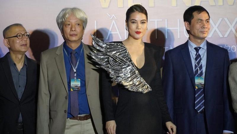 Liên hoan phim Việt Nam lần thứ 21: Ban tổ chức thiếu chuyên nghiệp, nghệ sỹ và khán giả bị coi thường?