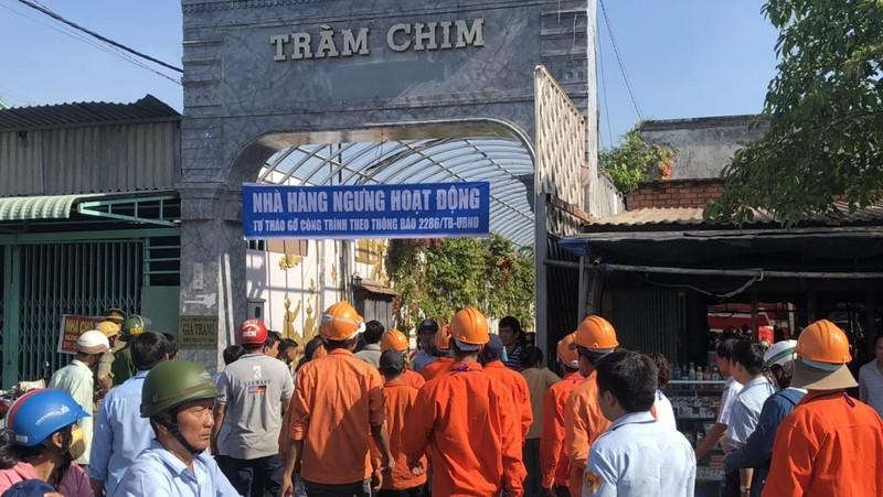 Cưỡng chế tổ hợp công trình Gia Trang quán - Tràm Chim Resort