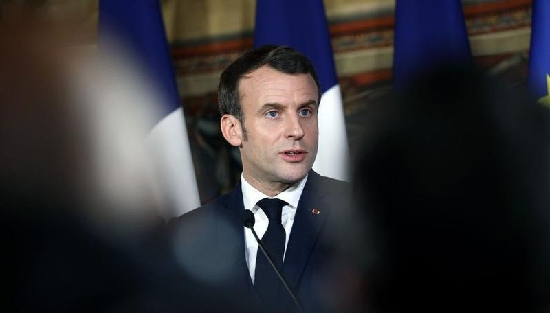 Pháp đóng cửa tất cả các trường học, hạn chế đi lại vì dịch Covid-19