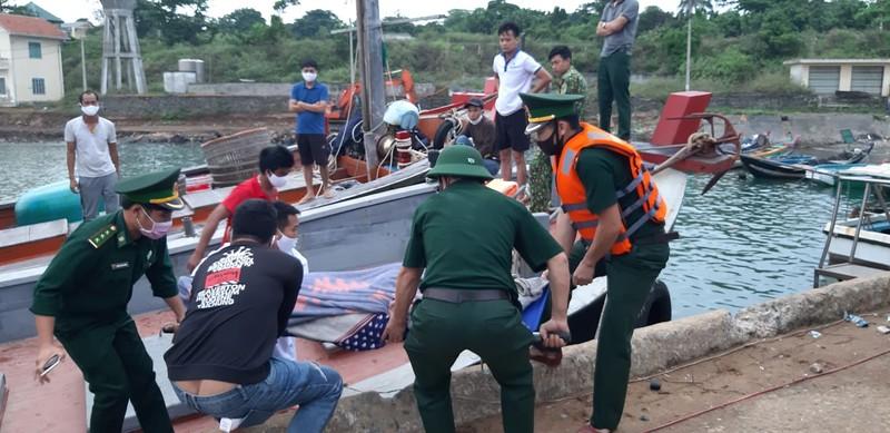 Đồn Biên phòng Cồn Cỏ cứu hộ thành công ngư dân găp nạn trên biển