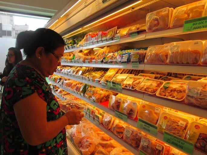 Thịt gà giá rẻ như rau, nhập khẩu tăng 150% - Ảnh 3.