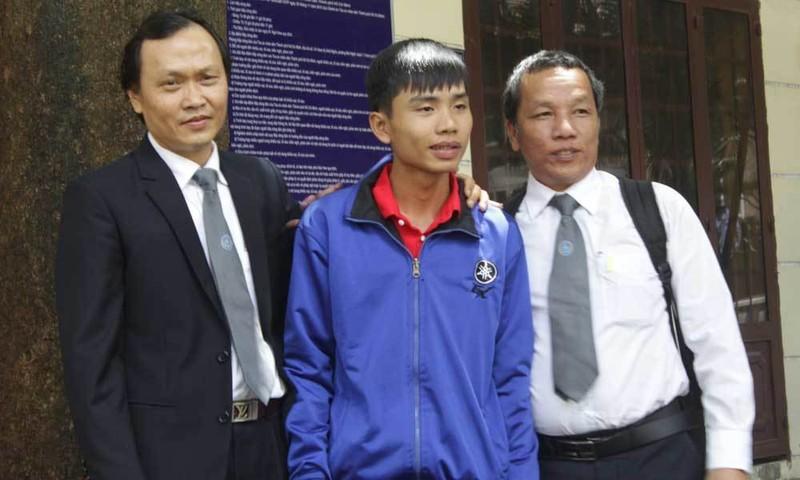 Sau 4 phiên tòa xử tội hiếp dâm, chàng trai chính thức trắng án
