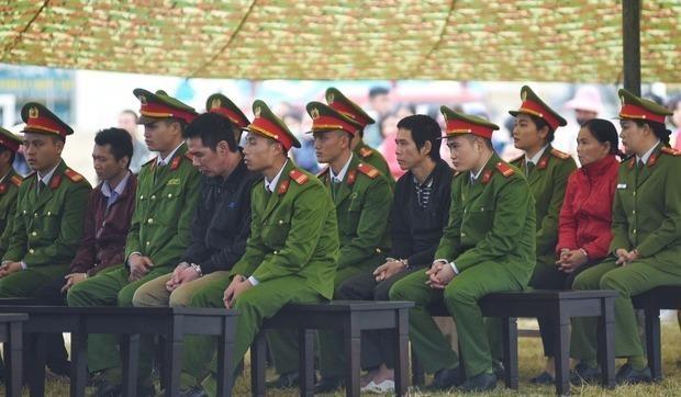 Tình tiết bất ngờ trước phiên xét xử vụ nữ sinh giao gà ở Điện Biên