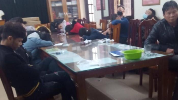 200 dân chơi nghi dùng ma túy trong quán bar 15 Hàng Tre