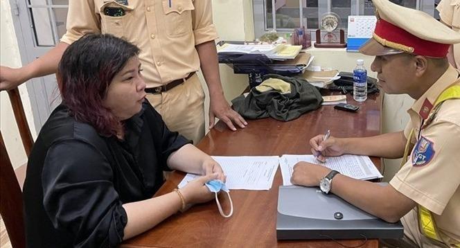 Nguyễn Lê Hoàng Phương tại cơ quan công an.