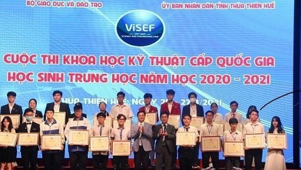Bế mạc cuộc thi KHKT cấp quốc gia học sinh trung học