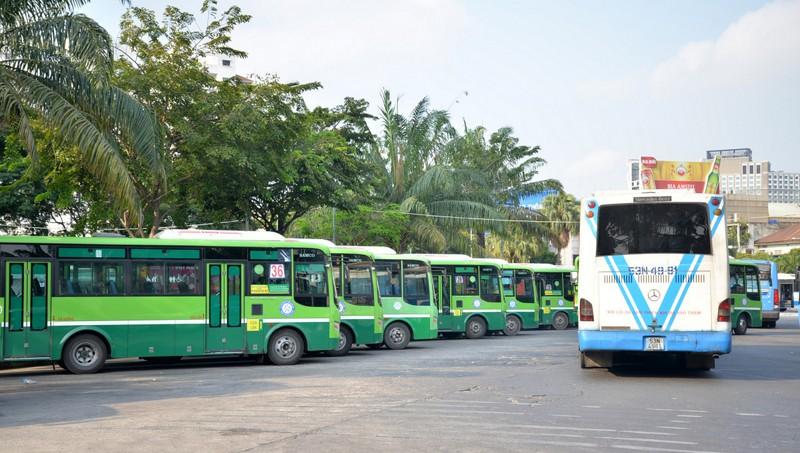 Vì sao xe bus TP HCM ngày càng vắng khách?