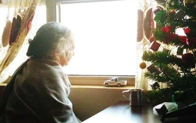 """Mẩu tin rao vặt tìm """"mái ấm Giáng sinh"""" của bà cụ bị ung thư khiến nghìn người xúc động"""