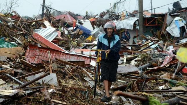 """Siêu bão """"hủy diệt"""" Philippines, hơn 10.000 người thiệt mạng"""