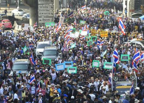 Chính quyền Thái Lan xem xét ban bố tình trạng khẩn cấp