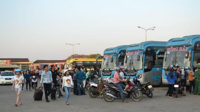 Hành khách náo loạn bến xe Đức Long- Gia Lai