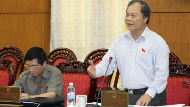 Chủ nhiệm Ủy ban Pháp luật của Quốc hội Phan Trung Lý phát biểu tại Phiên họp. Ảnh: Khánh Tùng