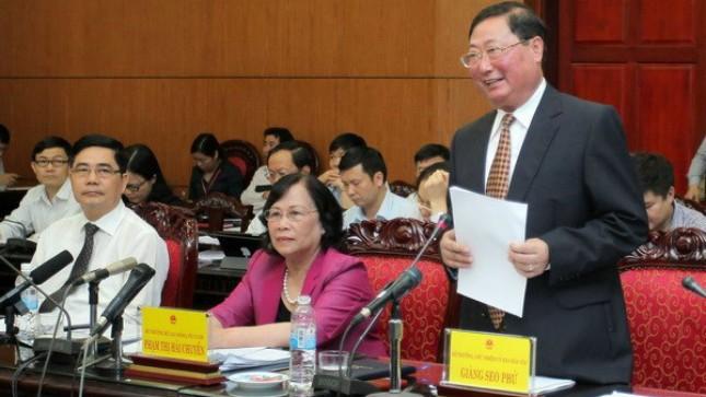 Bộ trưởng, Chủ nhiệm Ủy ban Dân tộc Giàng Seo Phử phát biểu tại phiên giải trình. Ảnh: P.V