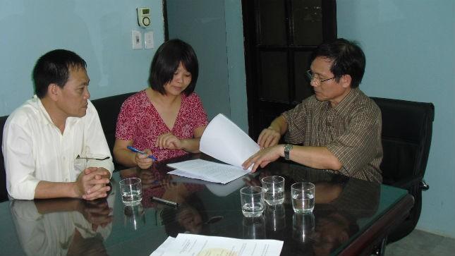Hướng dẫn người dân làm thủ tục tại Văn phòng Thừa phát lại Ba Đình