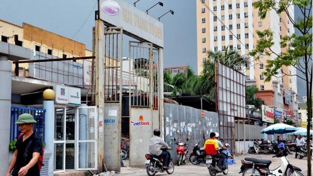 """""""Bến xe dù"""" 16 Phạm Hùng hoạt động đón, trả khách công khai"""