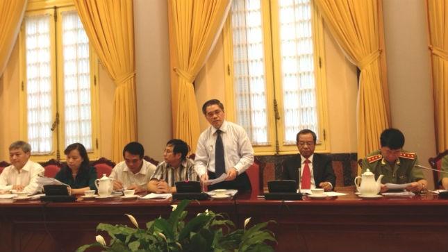 Thứ trưởng Bộ Tư pháp Đinh Trung Tụng tại buổi họp báo