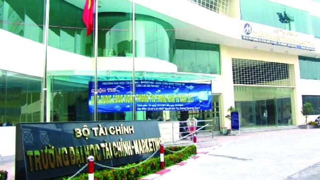 Nghi án Hiệu trưởng ngoại tình: Bộ Tài chính chuyển đơn cho xong?