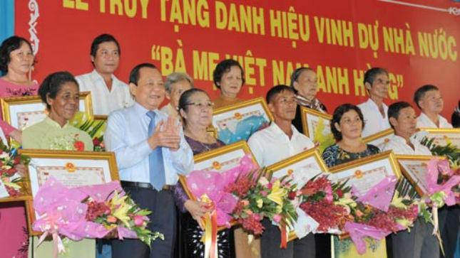 """TP. Hồ Chí Minh: Truy tặng 831 Mẹ danh hiệu """"Bà Mẹ Việt Nam Anh hùng"""""""