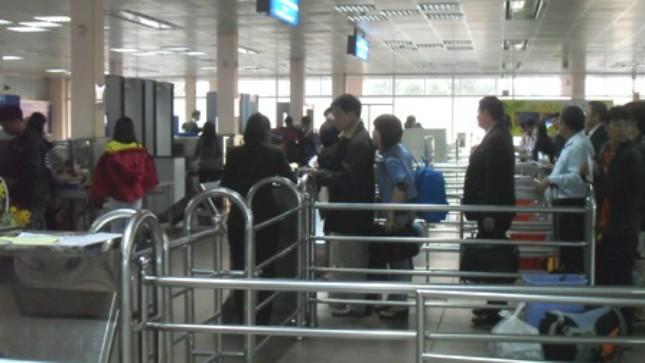 Sân bay Tân Sơn Nhất đang được kiểm soát chặt chẽ để phòng chống dịch bệnh Ebola